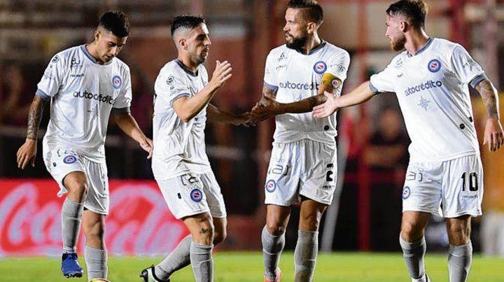 Bicho feliz. Argentinos tuvo una noche firme y dejó de rodillas a Independiente.
