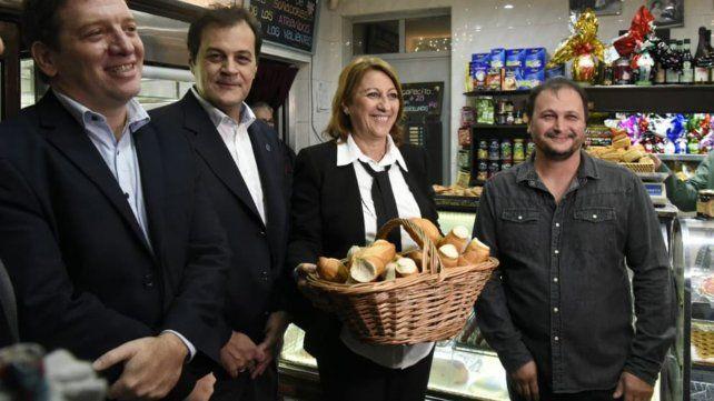 La intendenta participó del anuncio que se realizó esta mañana en la panadería ubicada en Guatemala 1441.