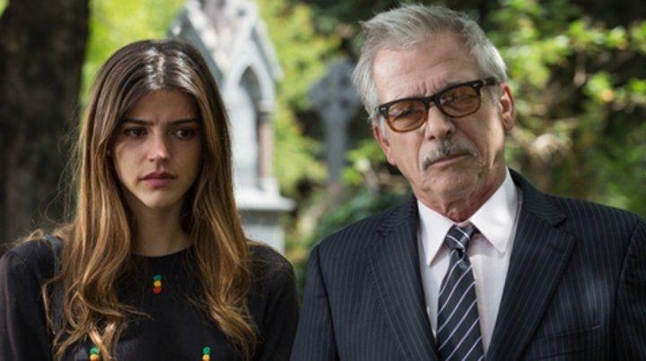 víctima y villano. Calu Rivero toma el rol de una secretaria que debe enfrentar a un oscuro Gerardo Romano.