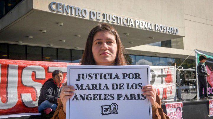 La hija de la bibliotecaria esta mañana en el Centro de Justicia Penal