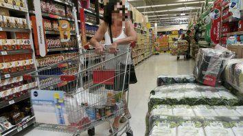 Alimentos y bebidas no alcohólicas, con el 6 por ciento los rubros que más aumentaron en marzo.