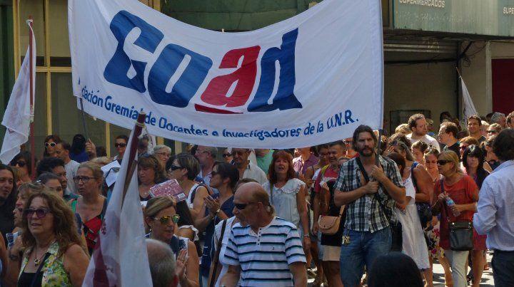Los docentes universitarios de Rosario nucleados en Coad van a un paro de 48 horas la semana próxima