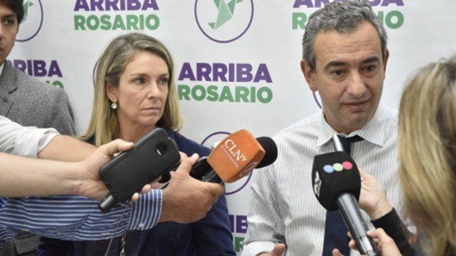 Pablo Javkin, de Arriba Rosario, junto a María Eugenia Schmuck.