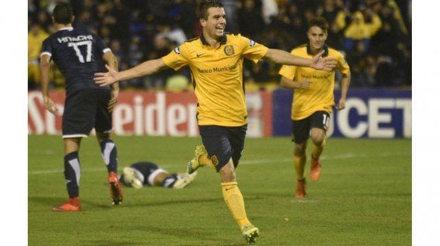 En Central. Lo Celso celebra frente a Vélez uno de los tres goles que anotó con la casaca auriazul.