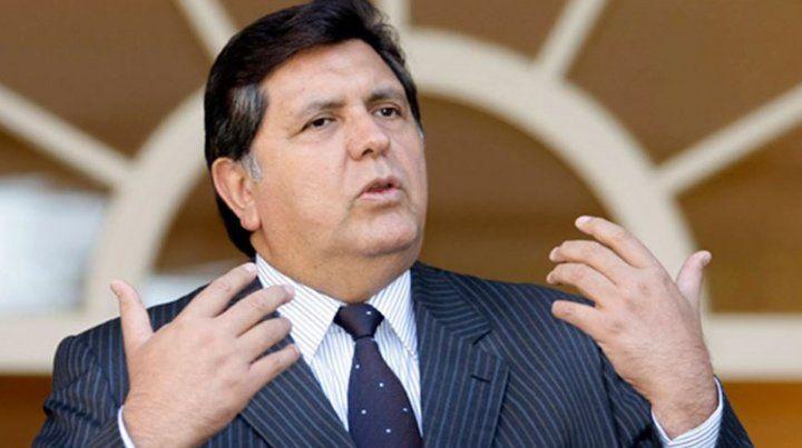 Murió el expresidente de Perú Alan García que hoy se pegó un tiro