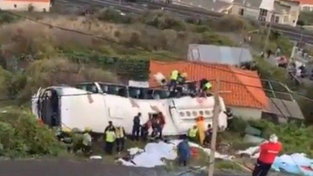 Madeira. El conductor perdió el control en una curva y se despistó.