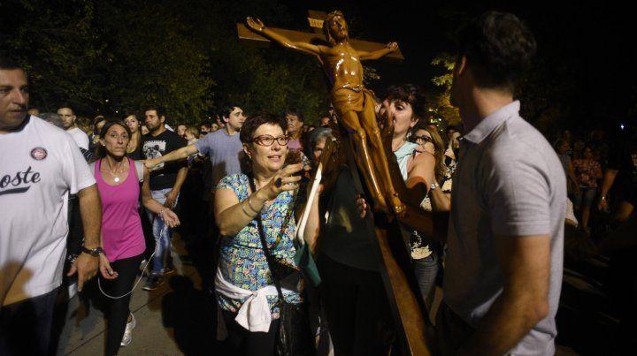 Todo lo que hay que saber para el multitudinario Vía Crucis del Padre Ignacio