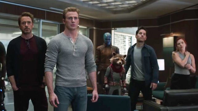 El adiós de los superhéroes. Chris Evans y Robert Downey Jr (al frente) son parte de un elenco de estrellas. La gran pregunta es qué personajes sobrevivirán y cómo.