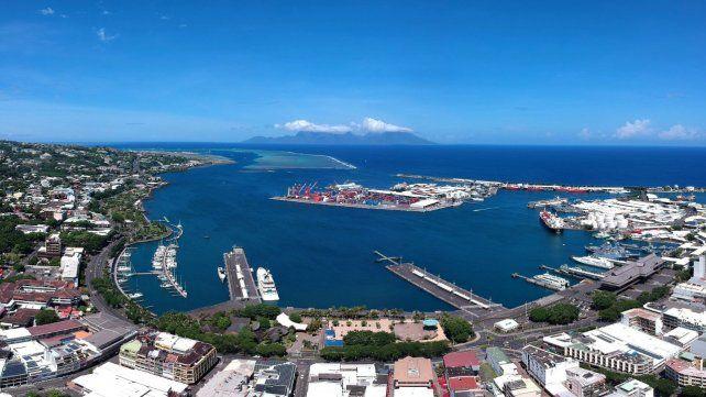 Un grande. El Puerto de Papeete es el mayor de escala del Pacífico Sur. La entrada y salida de buques pesqueros