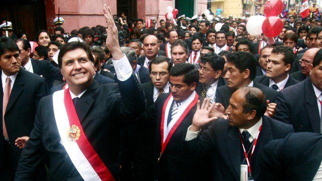 Gloria. El 28 de julio de 2006 Alan García recorre Lima luego de jurar.