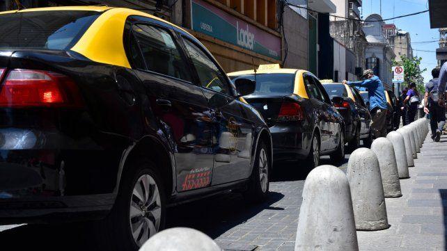 En debate. El asesinato de un taxista el Jueves Santo volvió a encender un debate que lleva años y que no logra encontrar una solución.