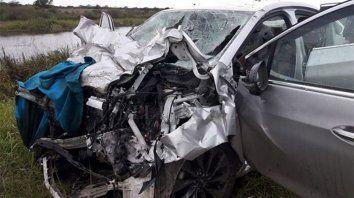 Fatal accidente. Uno de los autos destrozados en el choque.