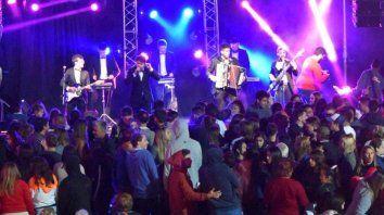 Una multitud presenció los shows.