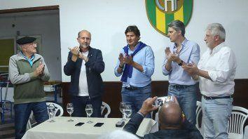Recorrida. Perotti, Santacroce y Grandinetti en el Club Atlético Funes.