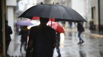 La lluvia no afloja y rige un alerta para el sur de Santa Fe