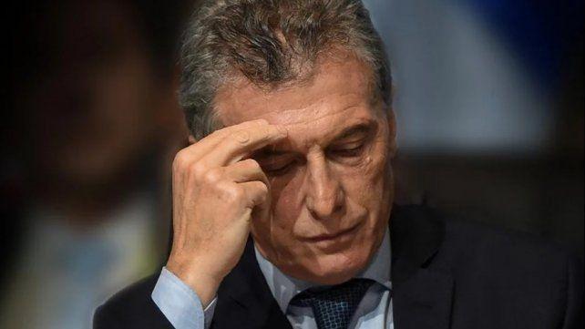 El Financial Times asegura que Argentina está en la cornisa