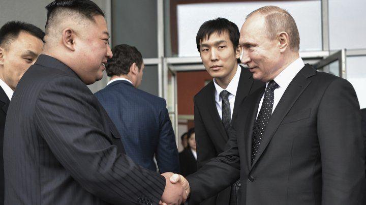Putin se reunió con Kim Jong Un en procura de la desnuclearización