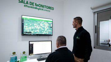 Precisión. Desde la sala de operaciones de Santa Teresa, los especialistas de Boglich monitorean 270 máquinas.