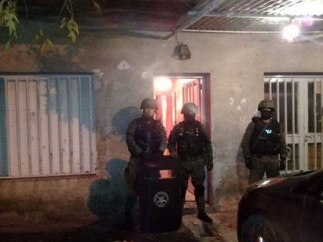 Cuatro detenidos y cinco mujeres víctimas de trata rescatadas en varios allanamientos de Gendarmería en Rosario