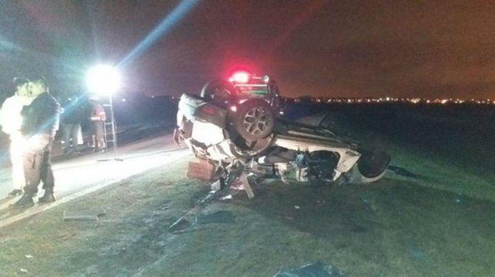 Siniestro mortal. En el automóvil Renault Captur que tumbó viajaban las cinco víctimas fatales.