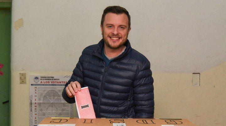 El candidato de Cambiemos votó en la Escuela Mariano Moreno.