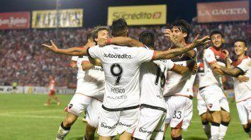 Todos con el 9. Este grito del Polaco Fydriszewski fue en Tucumán, pero no logró ganarse la camiseta.