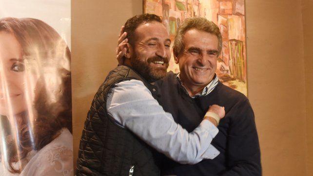 Kirchnerista. Sukerman se abrazó con el ex ministro de Defensa de la Nación y actual diputado por Santa Fe, Agustín Rossi.
