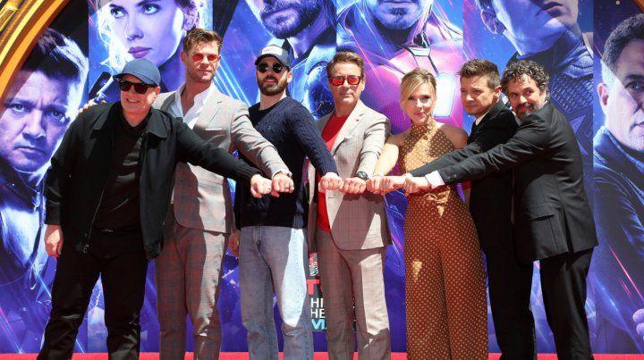 Todos para uno. Los protagonistas de Avengers: Endgame junto a Kevin Feige
