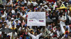 liberan a leopoldo lopez y los venezolanos salen a las calles