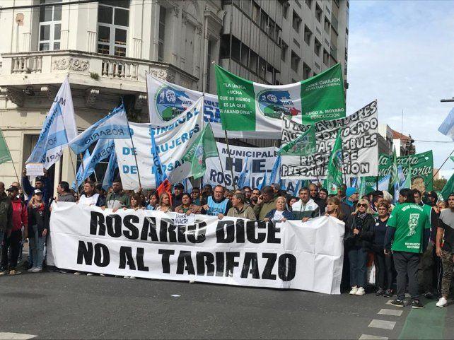 Los gremios marcharon por las calles céntricas hacia la Bolsa de Comercio