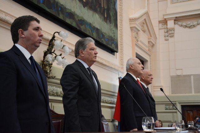 El gobernador durante el acto de apertura de las sesiones en la Legislatura provincial.