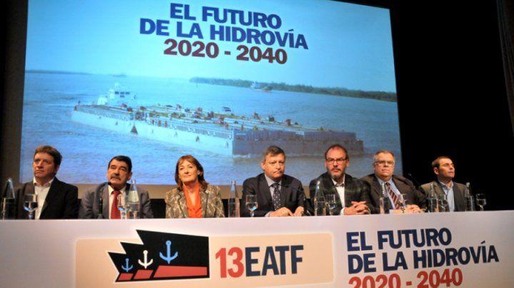 Hidrovía: provincias piden tener voz en la puja por el contrato