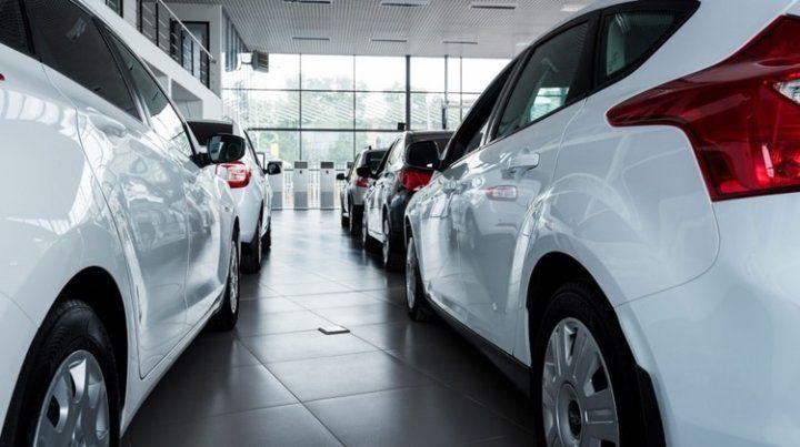 Detectan fallas en más de 85 mil autos