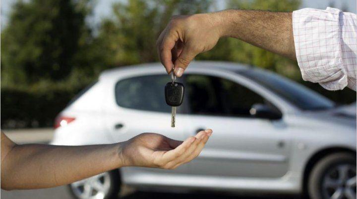 Autos y motos: fuerte caída de ventas