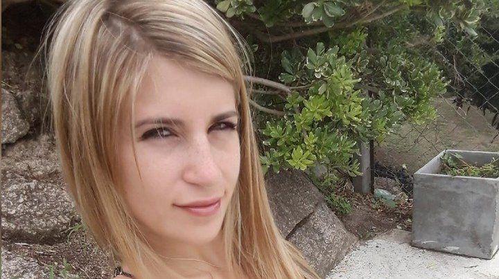Una joven denuncia que la despidieron por sus videos hot en internet