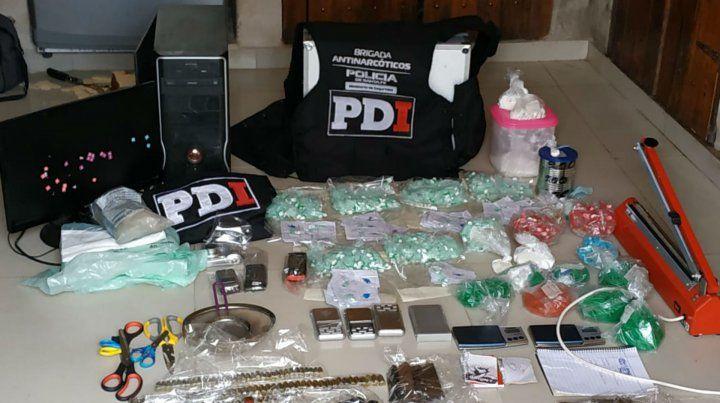 Los elementos de prueba secuestrados esta mañana.