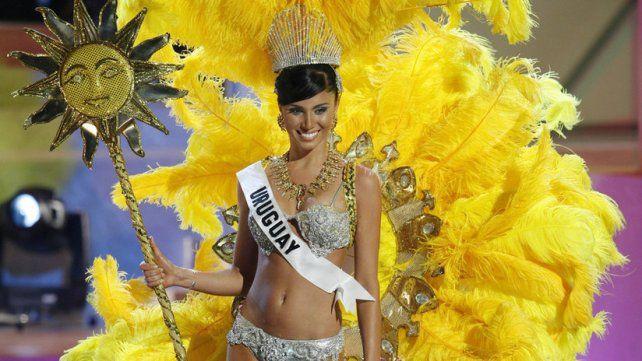 Fatimih  Dávila durante la competencia preliminar para Miss Universo 2006