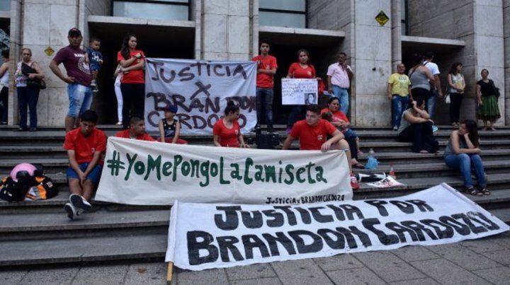 Reclamo repetido. Durante todo el proceso por el crimen de Brandon sus amigos pidieron justicia.