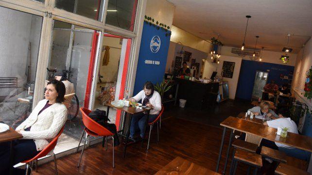 Juan Manuel de Rosas al 1000. Un negocio que funciona bajo la modalidad de cooperativa de trabajadores.
