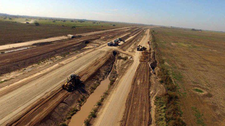 Sin actividad. Afirman que el trazado de 153 kilómetros está parado y que 400 empleados fueron cesanteados.