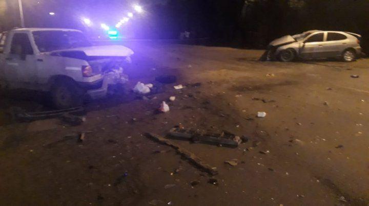La camioneta F-100 y el Renault Megane chocaron en la ruta provincial 21