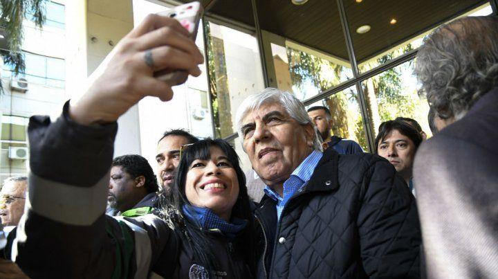 Moyano asistirá al plenario de la CGT, donde hablará Alberto Fernández