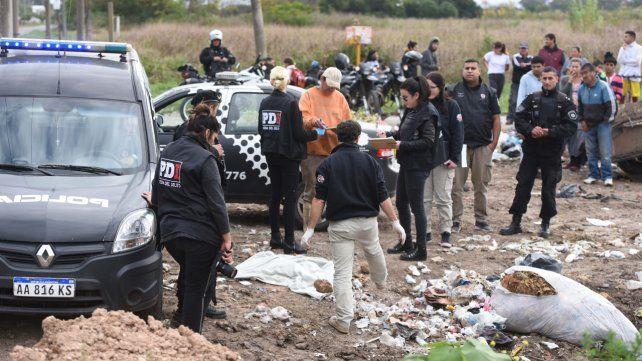 Escenario. La PDI trabajó ayer en el basural donde se halló el cuerpo.
