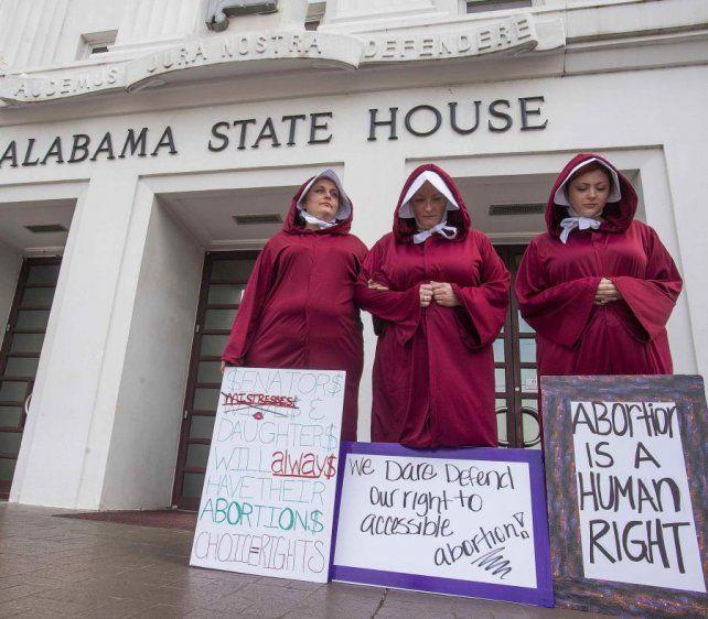 Comisión Legislativa prohíbe el aborto en el estado de Alabama