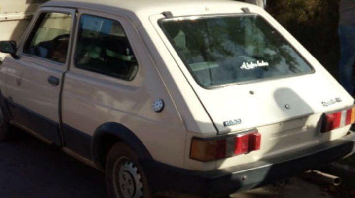 El Fiat 147 que ayer robaron los prófugos.