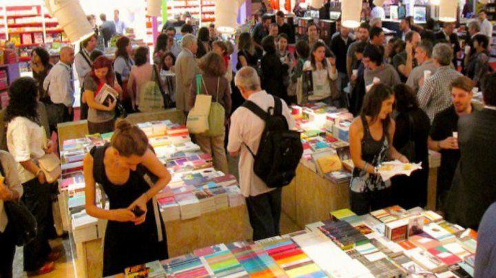 Qué y cómo buscan los lectores en la Feria del Libro de Buenos Aires