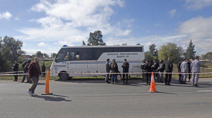 Sin rastros de los seis presos que siguen prófugos tras huir de un furgón penitenciario