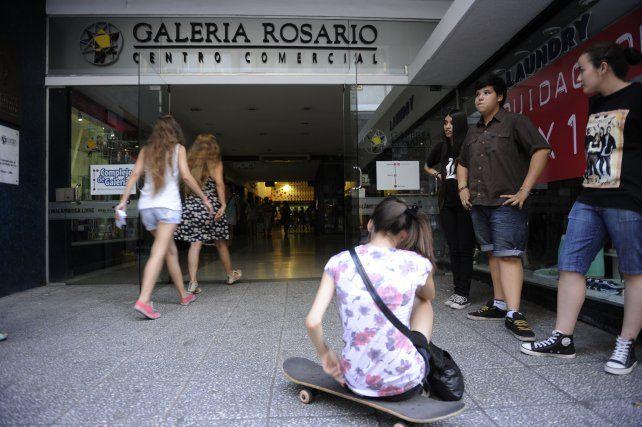 Las galerías comerciales pagarán más barata el agua