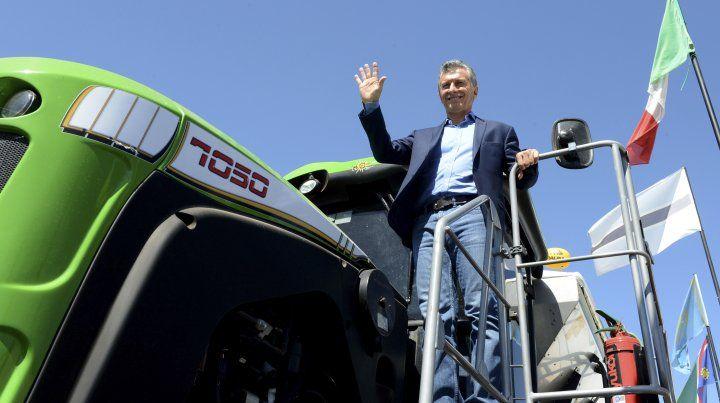 Cayeron las ventas de tractores y  cosechadoras