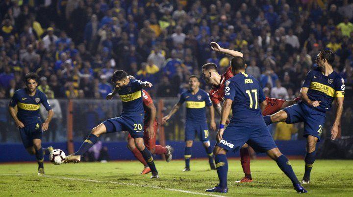 Un gol de Tévez que pinta para súperclásico